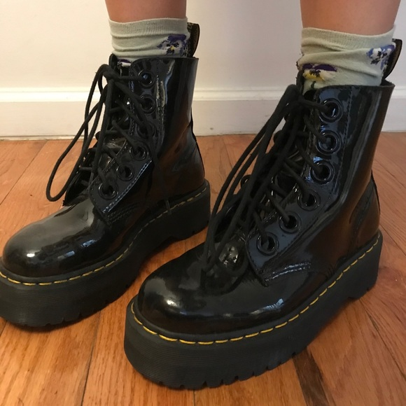 dr martens molly patent